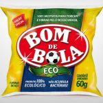 """Bombril: Durante a competição, quem procurar pela esponja de aço BomBril nos supermercados só encontrará a versão limitada Bom de Bola. A ação pretende que o produto vire um """"amuleto da sorte"""" para as famílias brasileiras, segundo a marca. O nome será alterado também em todas as peças publicitárias."""