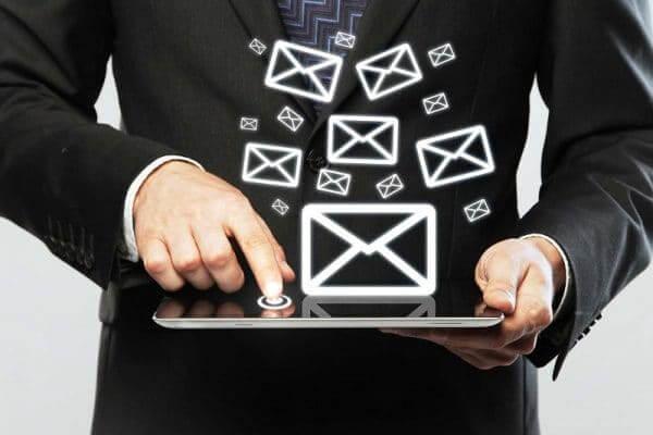 Super avanço tecnológico de 1990: O Email!