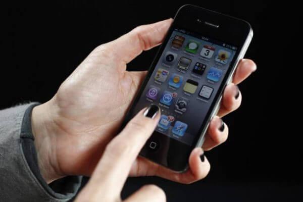 Tecnologia transforma toques na tela do celular em energia