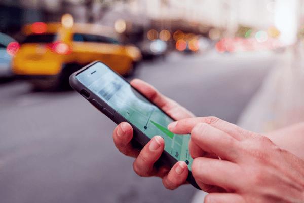 Motoristas de Uber e 99 poderão pagar multa caso cancelem a corrida
